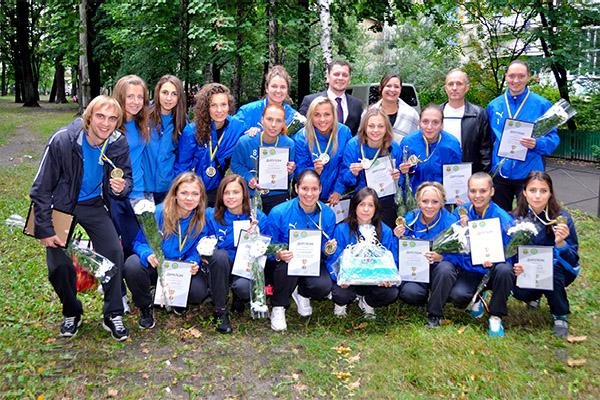Нагородження команди, Чемпіони України 2013, жінки, Біличанка, Беличанка, жіночий футзал, женский мини-футбол, АМФУ, Гримайло