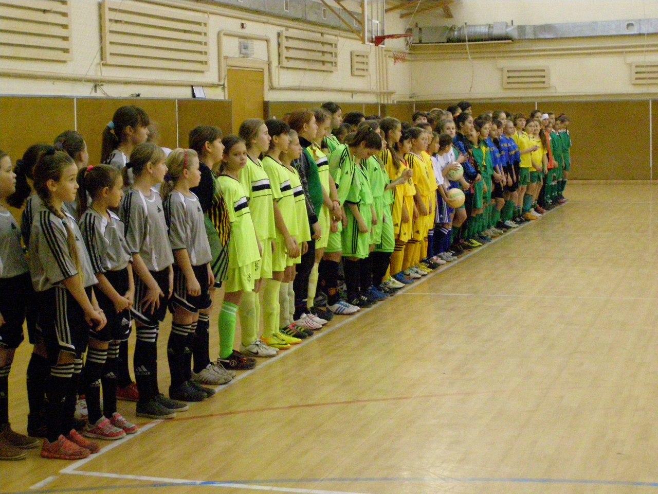 мини-футбол, АФУ, дівчата футзал, жіночий футзал, ЧУ 2001-2002, Умань, Кобеляки, женский футзал